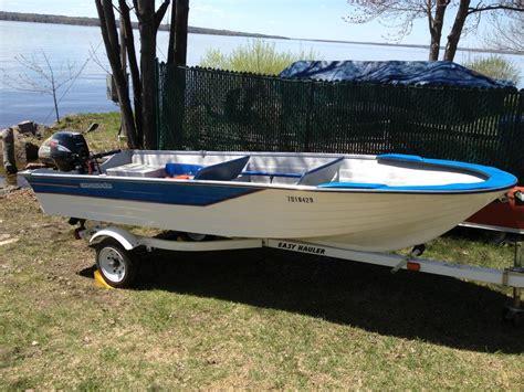 fishing boat ottawa boat 14 feet fiberglass pirate fisherman outside ottawa