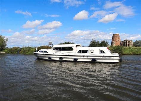 boats norfolk broads 10 best norfolk broads boat hire images on pinterest