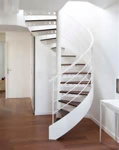 escalier colimacon metal escalier colima 231 on escalier droit lequel choisir