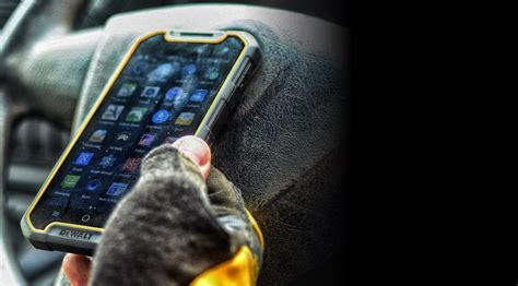rugged smartphone canada this rugged smartphone was built for the canadian climate it world canada news