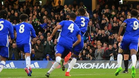 chelsea youngsters four chelsea youngsters sign new contracts the real