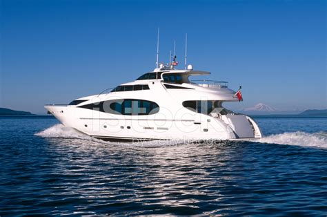 motorboat vancouver luxury motor yacht ship boat vancouver island victoria