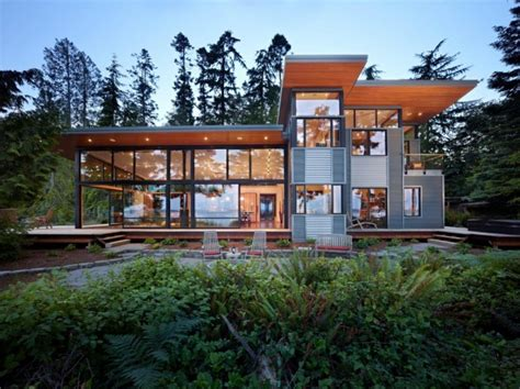 pacific northwest houses this pacific northwest house is located on a wooded