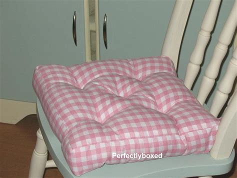 pink kitchen chair cushions pink gingham seat pads at www perfectlyboxed