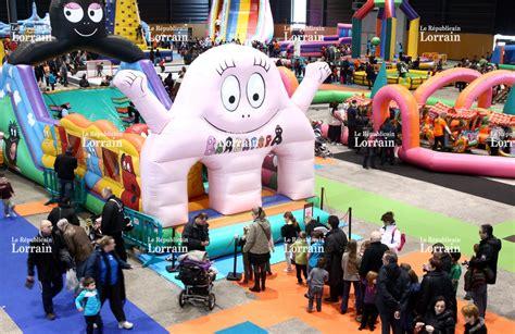 Jeux A Faire Dans Un Trampoline #8: Dynamic-land-chateaux-gonflables-au-parc-d-attraction-indoor-au-parc-des-expositions-de-metz-metropole-photo-archives-rl-1454953795.jpg