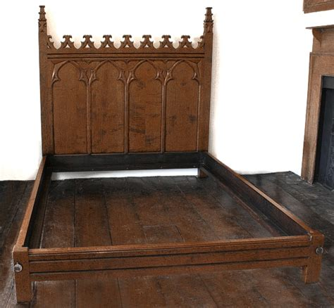 Handmade Oak Furniture - carved oak bed handmade bespoke oak bedroom