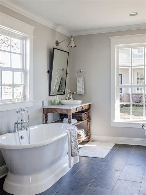 best bathroom photos top 10 fixer upper bathrooms daily dose of style