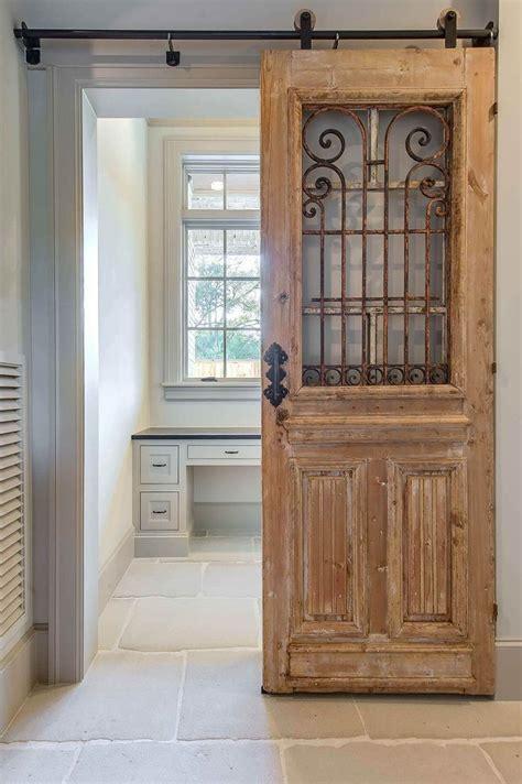 Barn Door Ideas For Bathroom by Best 25 Bathroom Doors Ideas On Sliding Door