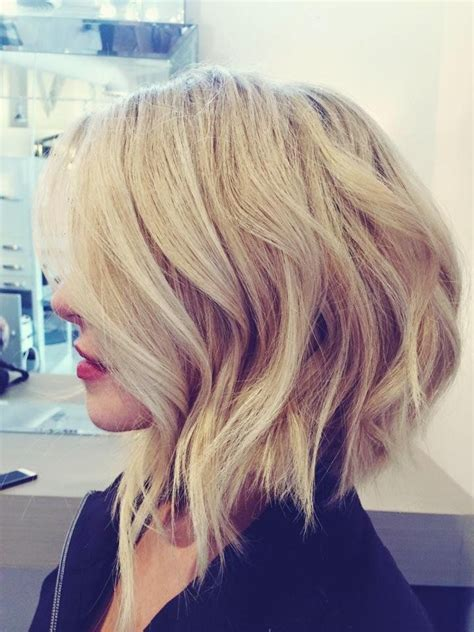 angled bob medium curly the 25 best long graduated bob ideas on pinterest
