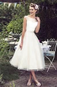 best shoes for tea length wedding dress 1000 ideas about tea length dresses on tea