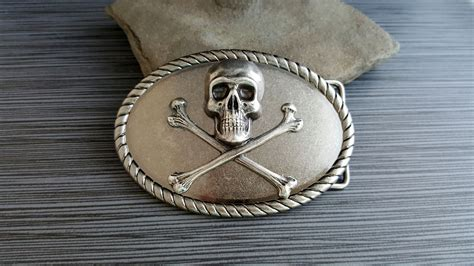 Custom Handmade Belt Buckles - buy a crafted handmade antique silver steunk skull