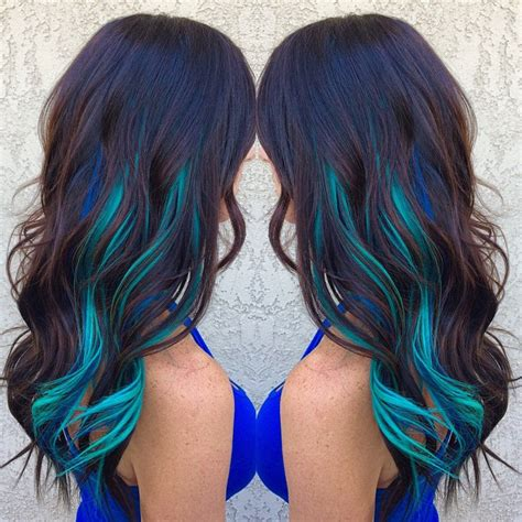 does phaedras hair teal brown hair with blue and turquoise streaks if i were to