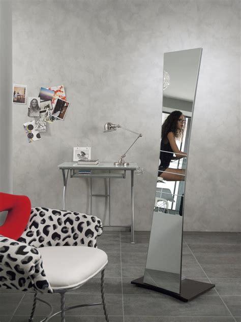 specchi da soggiorno specchi lunghi per la parete comodit 224 e arredamento
