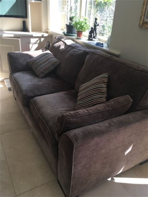 2 seater sofa and matching armchairs great condition 3 seater sofa and 2 matching arm chairs