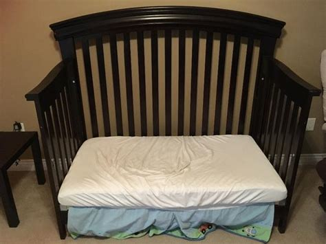 Shermag Convertible Crib Beautiful Shermag Convertible Crib With Matching Dresser Saanich