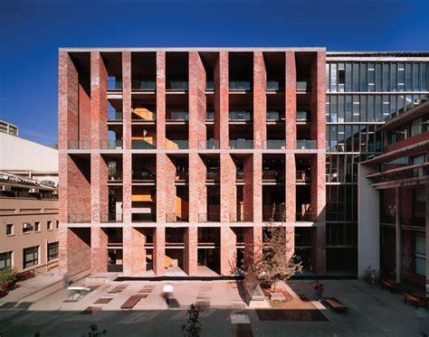 elemental architecture chilenischer architekt alejandro aravena erh 228 lt pritzker