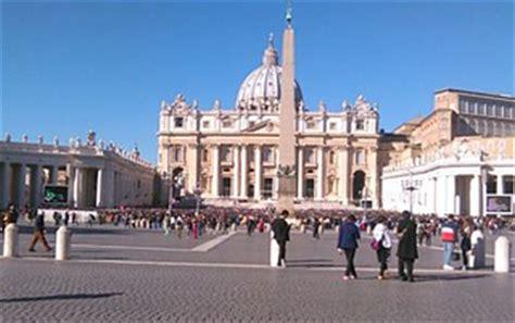 prefetto della casa pontificia anche in vaticano 232 recessione i numeri della prefettura