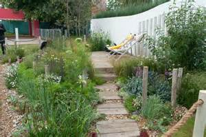 How To Design A Backyard On A Budget Hampton Court Flower Show 2012 It S Still Huge Out Of