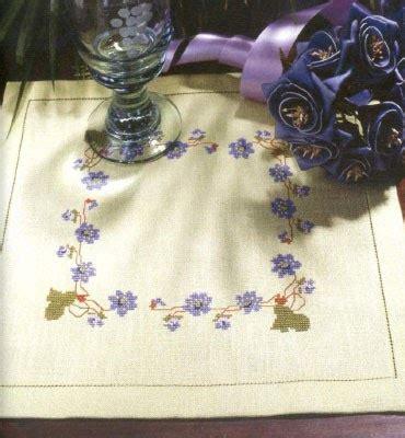 mini mantel navidad a punto de cruz youtube punto de cruz gratis mantel de flores violetas