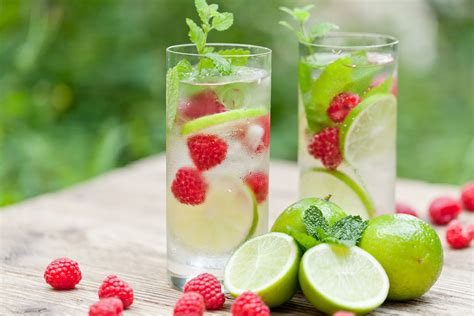 Air Detox Infused Water by Raspberry Mint Detox Spritzer Yeast Free Paleo