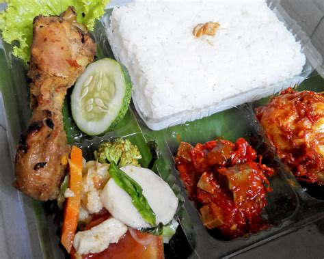 catering harian enak catering delivery makanan catering