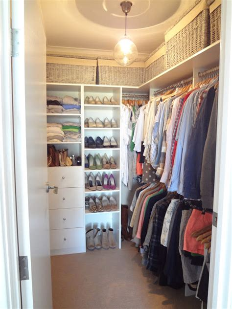 Tiny Walk In Closet by 20 Small Walk In Closet Ideas Makeovers The