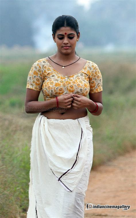 pooja nair hot navel solar swapnam fame actress pooja nair mundu blouse hot jpg