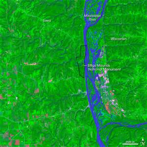 U Shaped Building effigy mounds national monument image of the day