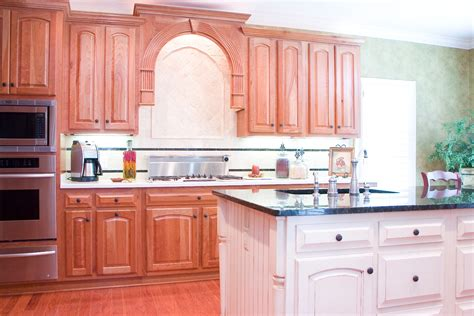 Pictures Of Kitchens With Cherry Cabinets by Cherry Kitchens Wood Hollow Cabinets