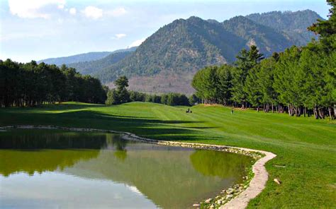 beautiful home located on the golf course beautiful golf courses www imgkid com the image kid
