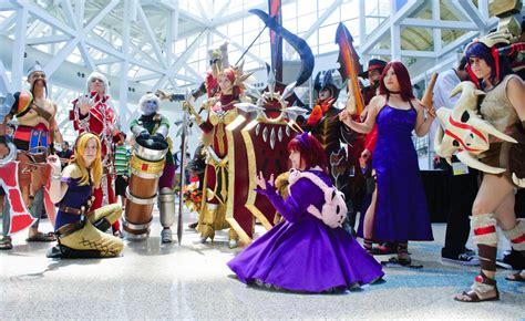 i cosplayer di league of legends hanno invaso l anime expo