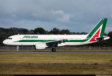 airbus a330 alitalia interni ei eib alitalia airbus a320 at edinburgh photo id