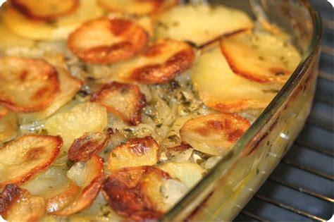cuisine alg駻ienne facile rapide pommes de terre au four aux oignons ultra fondants la