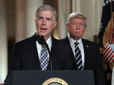 neil gorsuch resume it is an extraordinary resume watch trump explain why