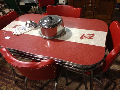 Vintage Kitchen Table This Retro Kitchen Table Dinette Sets