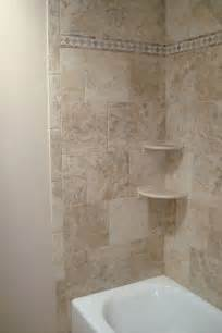 bathtub shower tile 25 best ideas about bathtub tile surround on