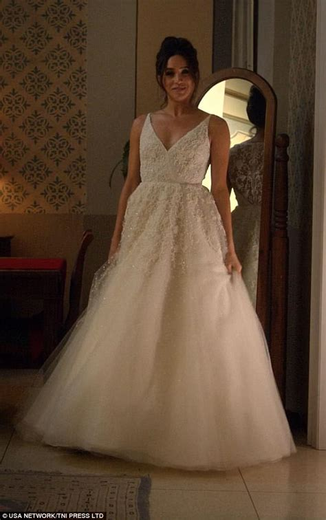 S Wedding Dresses by Meghan Markle S Wedding Dress Likely To Be Classic Daily