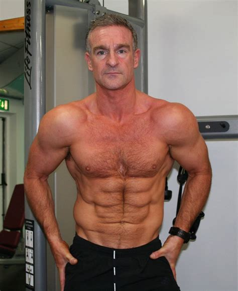 amateur   week shredded abs  age