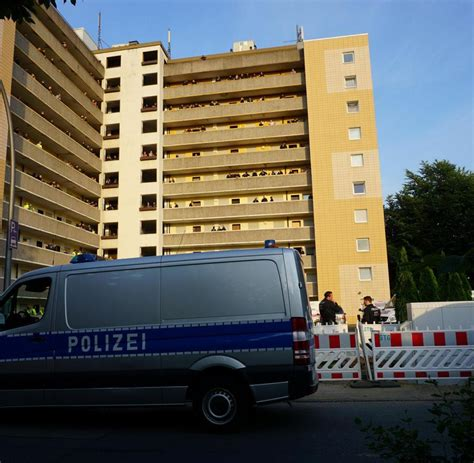 gladbeck wohnungen razzia im ruhrgebiet polizei durchsucht 120 wohnungen in