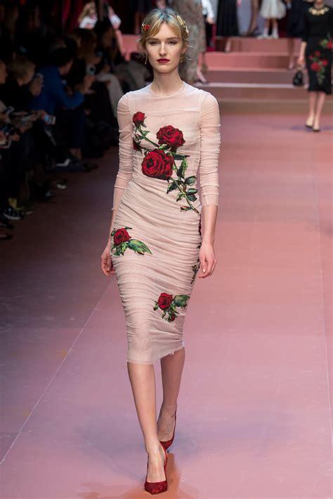 Dolce Gabbana 2008 Handbags Runway Review by Runway Review Dolce Gabbana Fall 2015 Marissa