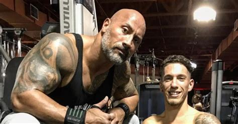 dwayne johnson shares story behind the story dwayne the rock johnson and bodybuilder