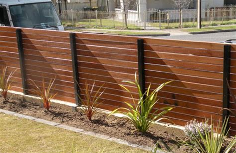 Horizontal Wood Fence Design Horizontal Wooden Fence Picture Design Idea And Decorations How To Build A Horizontal Wooden