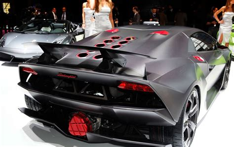 lamborghini sesto elemento shows brilliance in madness
