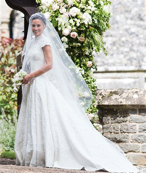 pippa middleton changes into pronovias gown for her
