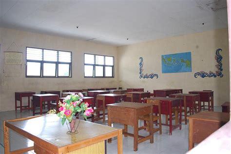 tata ruang kelas yang menyenangkan ruang kelas sma ernimu flickr