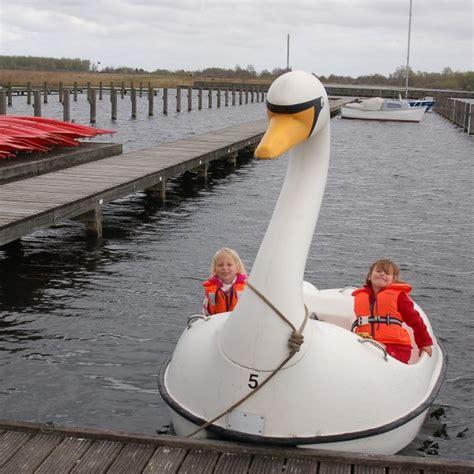 roeiboot huren amsterdam zwaan electroboot kano roeiboot amsterdam botentehuur nl