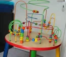 motorikschleife tisch spielzeug motorik tisch
