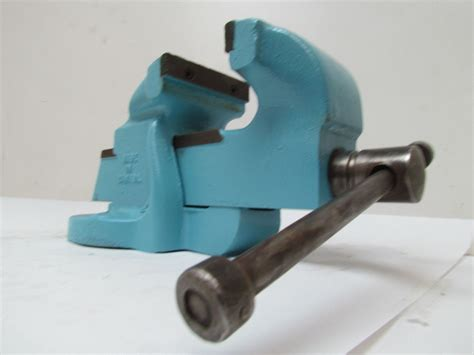 how to mount a bench vise henry heavy duty bench mount shop vise 5 quot jaws 7 quot opening