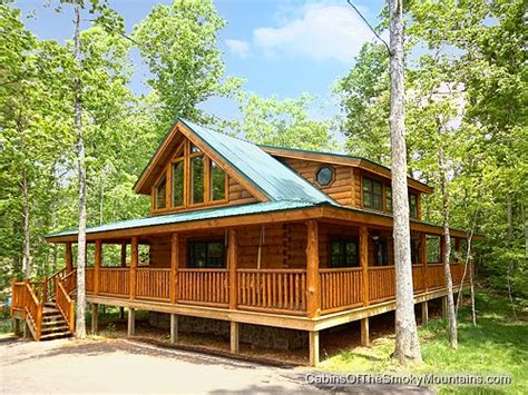 Cabins In Pigeon Forge With Pool Access by Pigeon Forge Cabin Bears Lodge 2 Bedroom