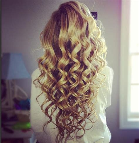 pretty hair styles with wand homecoming curls hairstyles how to